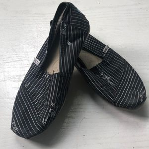 """Love is the new black"" striped, Toms"
